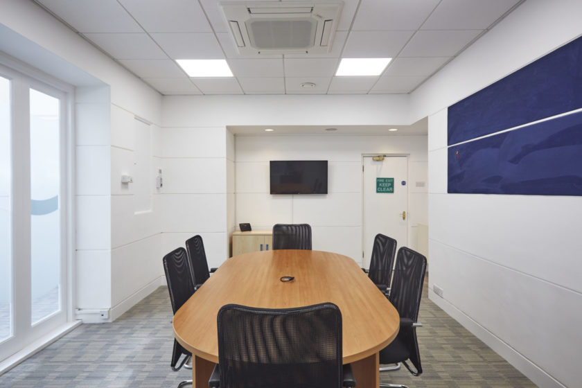 Tanshire Park Elm House Meeting Room Desk, Chairs & TV