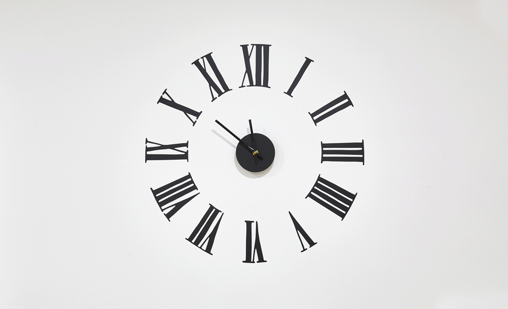 Clock illustrating that it might be time for bigger offices
