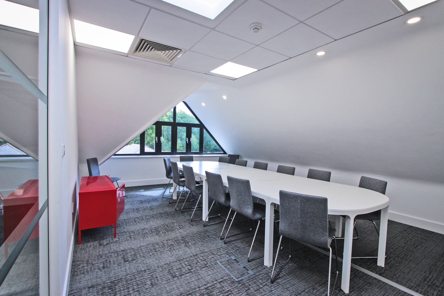 Grade A office conference meeting room at Tanshire Park Surrey Business Park - To Rent in Oak House