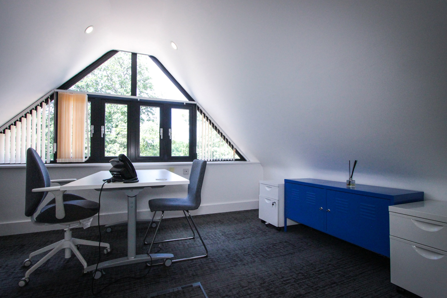Grade A office meeting room at Tanshire Park Surrey Business Park - To Rent in Oak House